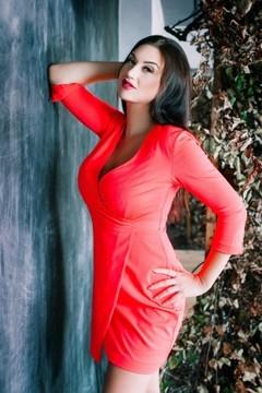 Irisha from Cherkasy 30 years - beautiful woman. My mid primary photo.