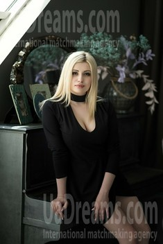 Alina 22 years - clever beauty. My small public photo.