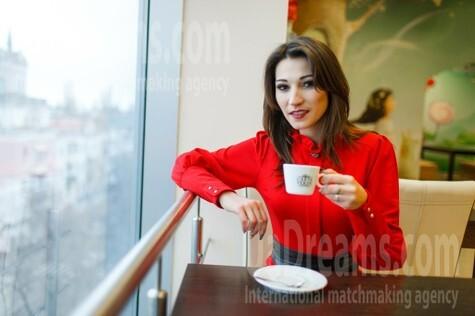 Nastya from Kremenchug 28 years - good mood. My small public photo.