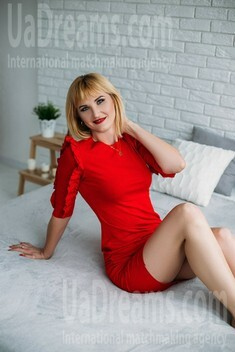 Oksana from Sumy 36 years - want to be loved. My small public photo.
