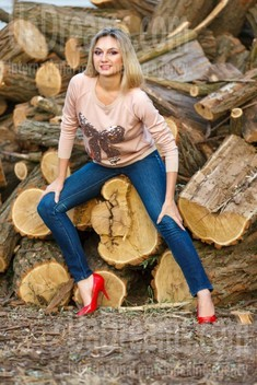 Lina from Kremenchug 38 years - photo session. My small public photo.