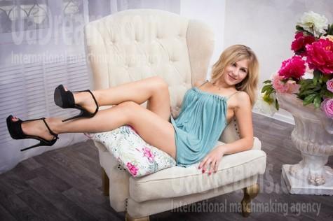 Anna from Kharkov 31 years - amazing girl. My small public photo.