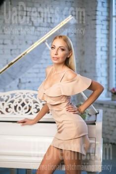 Oksana from Kiev 34 years - hot lady. My small public photo.